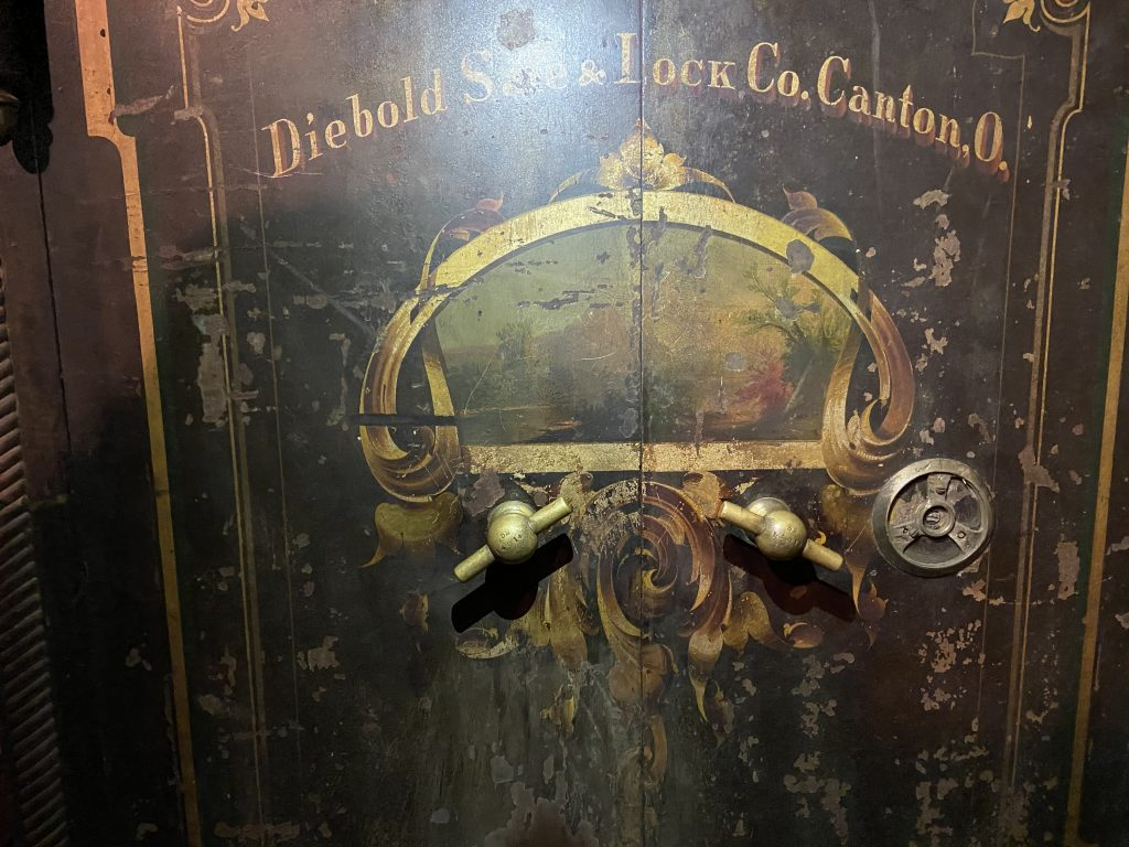 old antique safe opening services